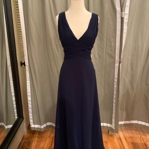 """Theia """"Clary"""" gown in Navy size 10 Chiffon"""